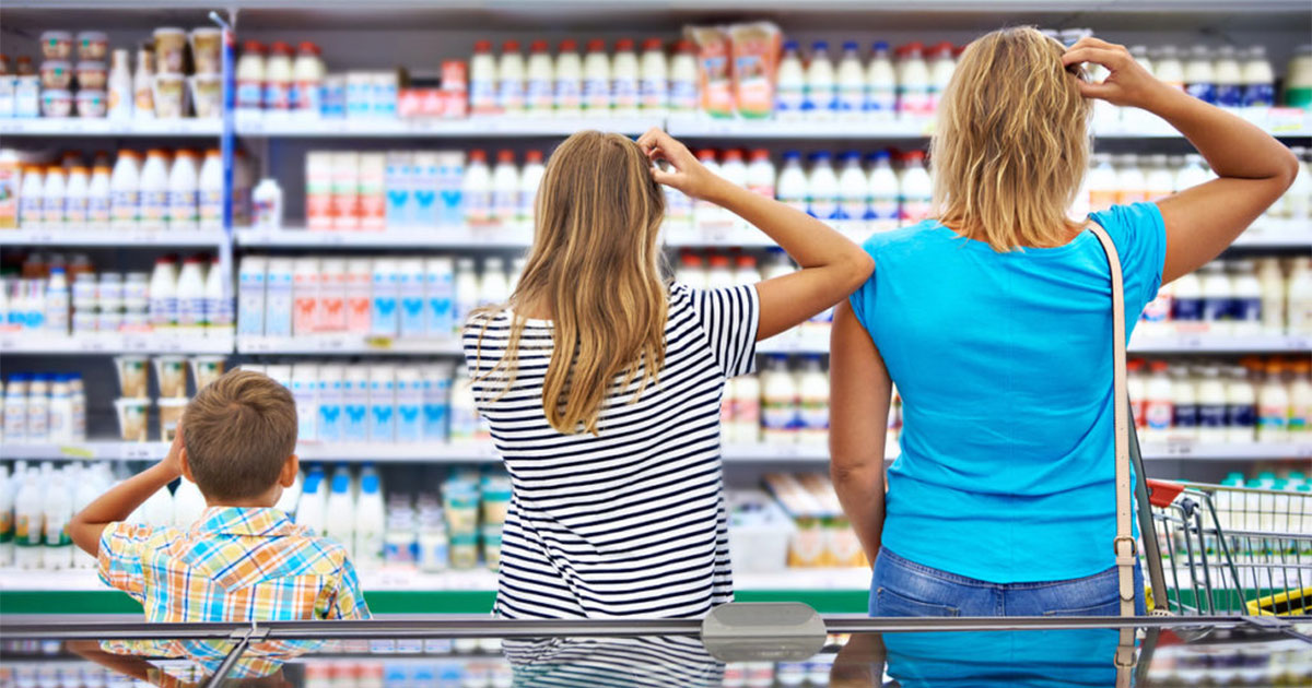 3 shoppers scratching their head after being failed to find the right cleaning product.